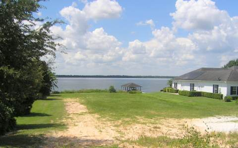 766 Sunset Pointe Dr, Lake Placid, FL 33852
