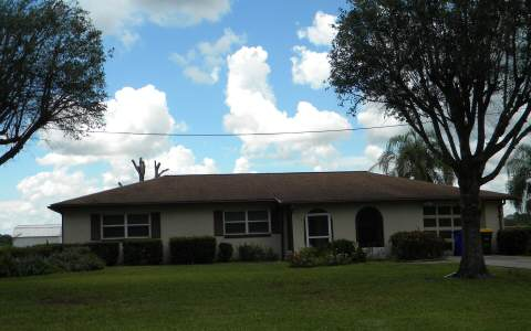 415 Lake August Dr, Lake Placid, FL 33852