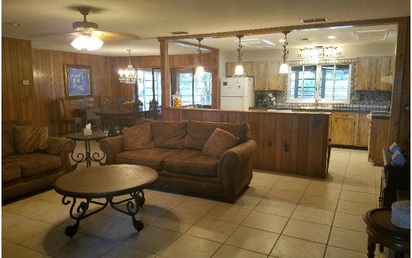 136 Hallmark Ave, Lake Placid, FL 33852
