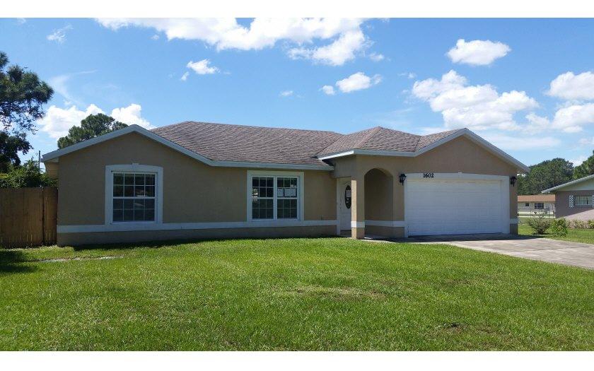 1602 Chatsworth St, Lake Placid, FL 33852