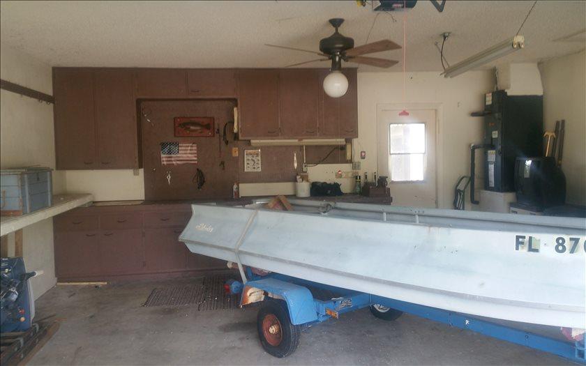 741 Lake Blue Dr, Lake Placid, FL 33852