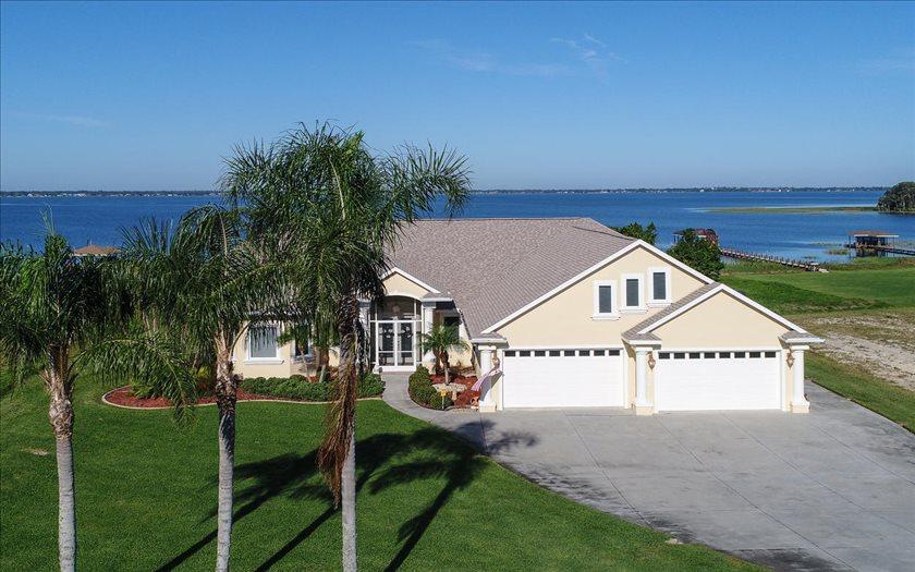 167 South Bear Pointe Dr, Lake Placid, FL 33852