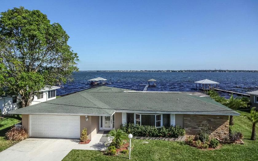 211 Lakerim Ct, Lake Placid, FL 33852