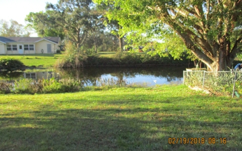 124 Dixie Ave, Lake Placid, FL 33852
