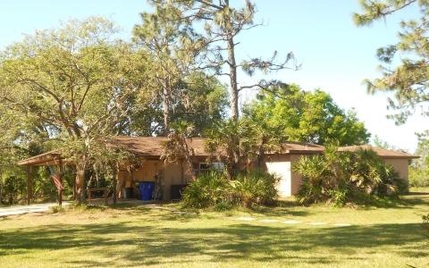 208 Park Land Dr, Lake Placid, FL 33852