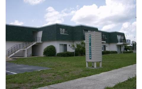 104 Golf Villas Ct Nw, Lake Placid, FL 33852