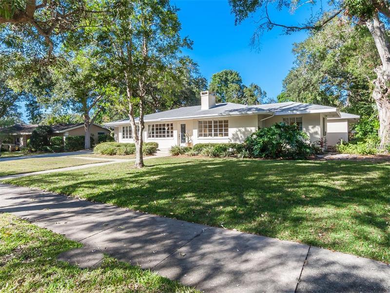 1623 North Dr, Sarasota, FL 34239