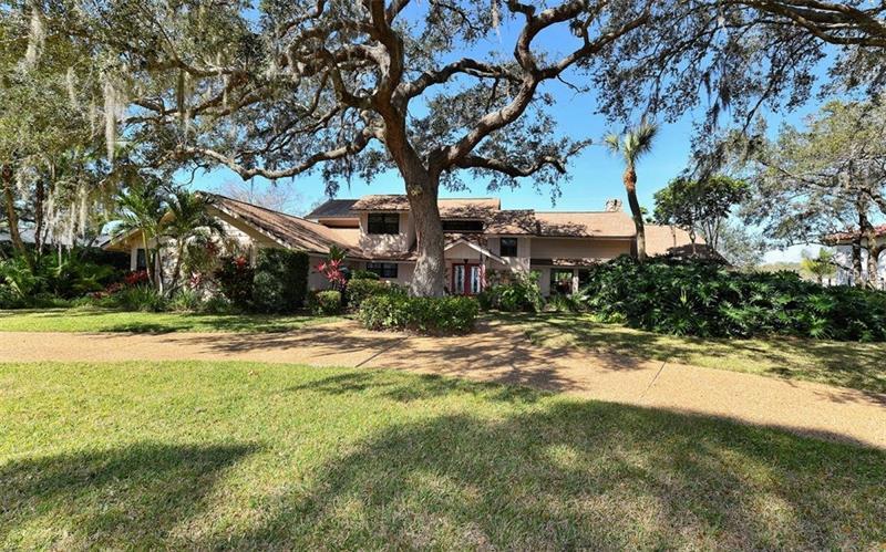 5122 Willow Leaf Dr, Sarasota, FL 34241