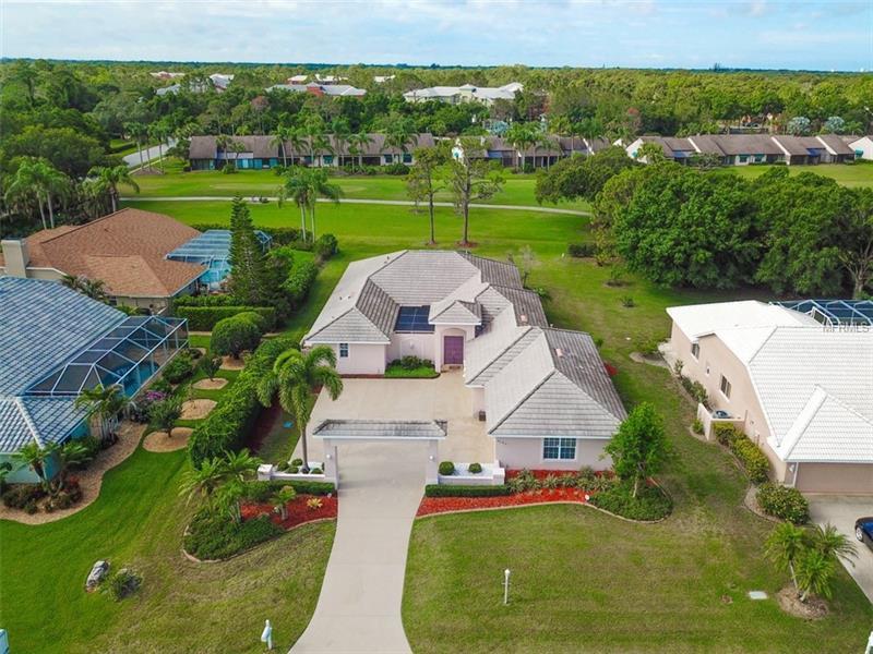 6194 Misty Oaks Dr, Sarasota, FL 34243