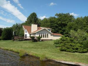 96 Longfellow Cir, Albrightsville, PA 18210