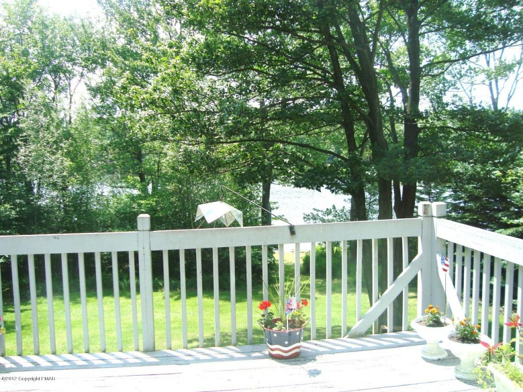 5144 Beach Side Dr. (lakefront), Tobyhanna, PA 18466