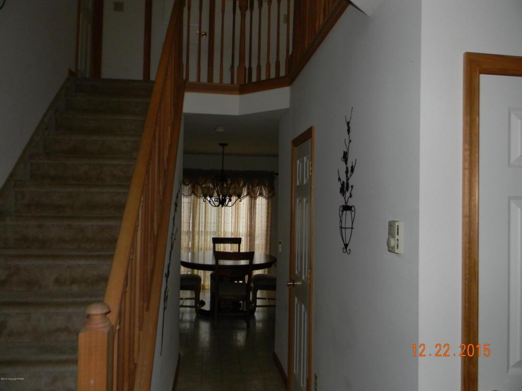 42 Iowa Rd, Albrightsville, PA 18210