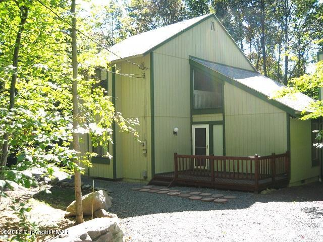 1421 Redwood Ter, Pocono Pines, PA 18350