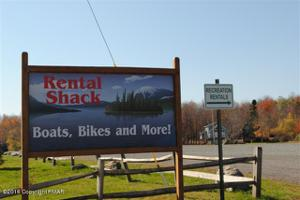 7585 Lake Shore Dr, Pocono Lake, PA 18347