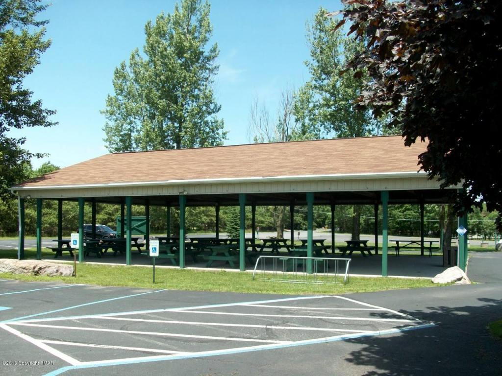 83 Parker Mews, Albrightsville, PA 18210