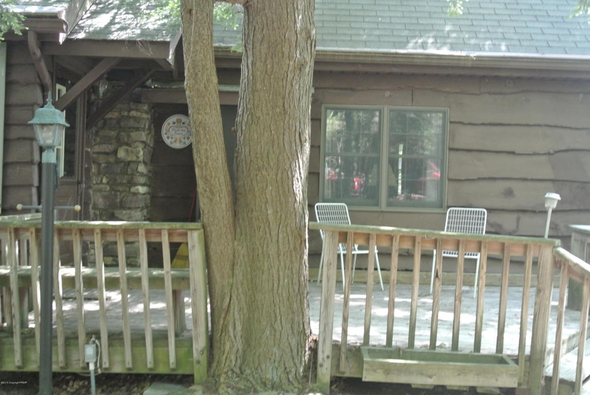 8 Buttonwood Road, Lake Harmony, PA 18624