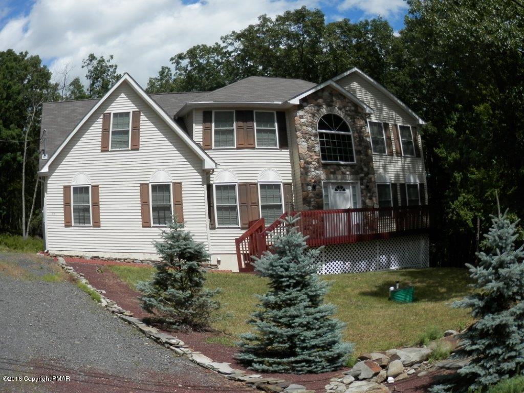 1559 Woodbridge Drive East, Bushkill, PA 18324