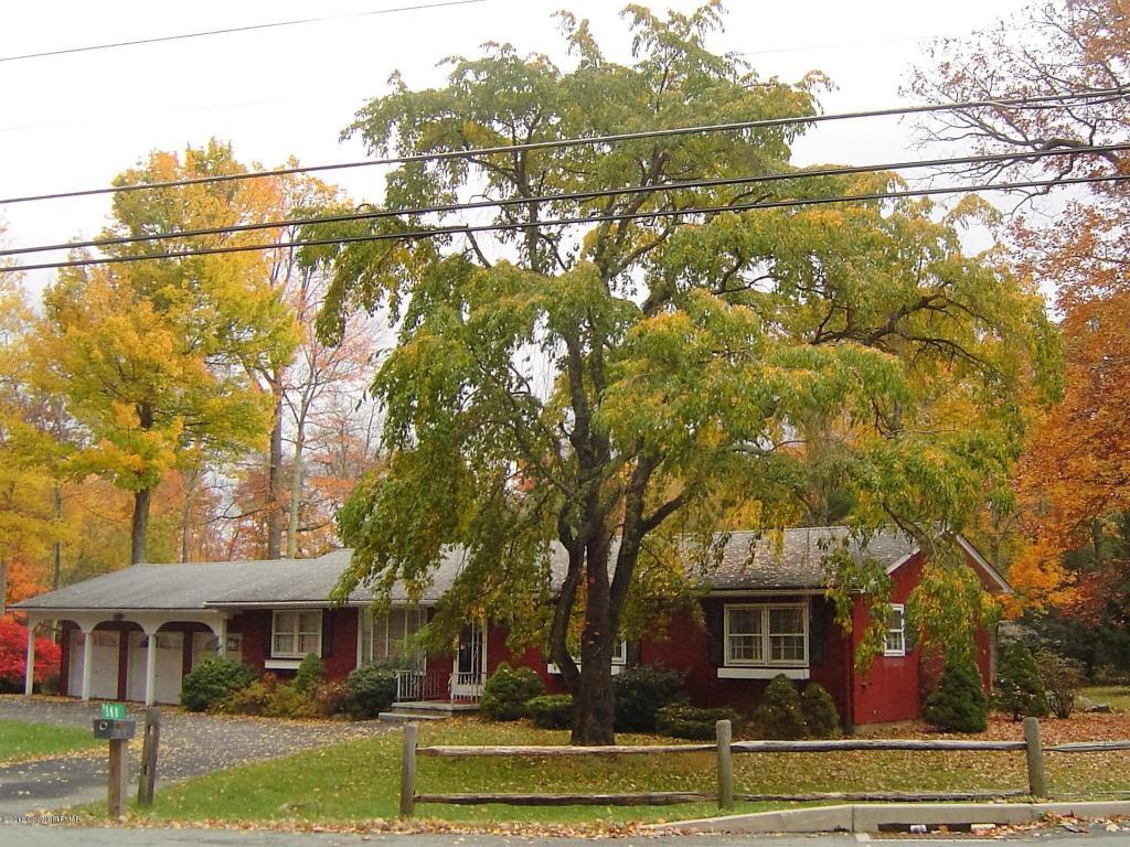 380 Carlton Rd, Mount Pocono, PA 18344