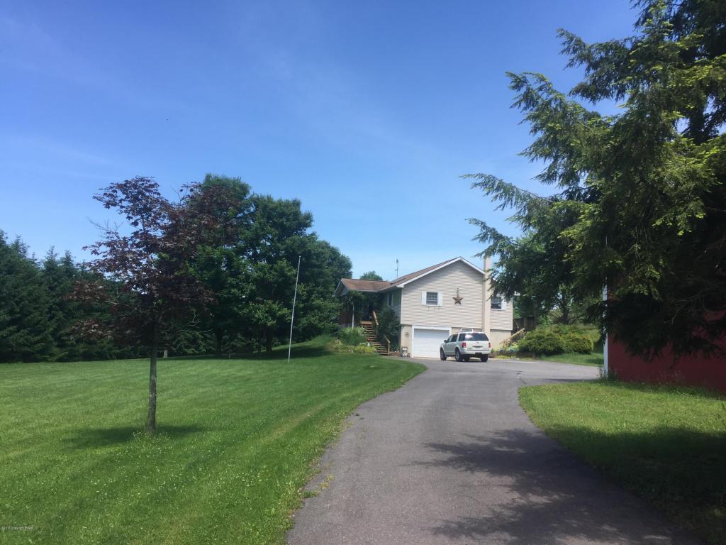 62 Dixon Ln, White Haven, PA 18661