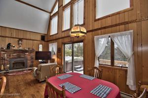 134 Penn Forest Trl, Albrightsville, PA 18210