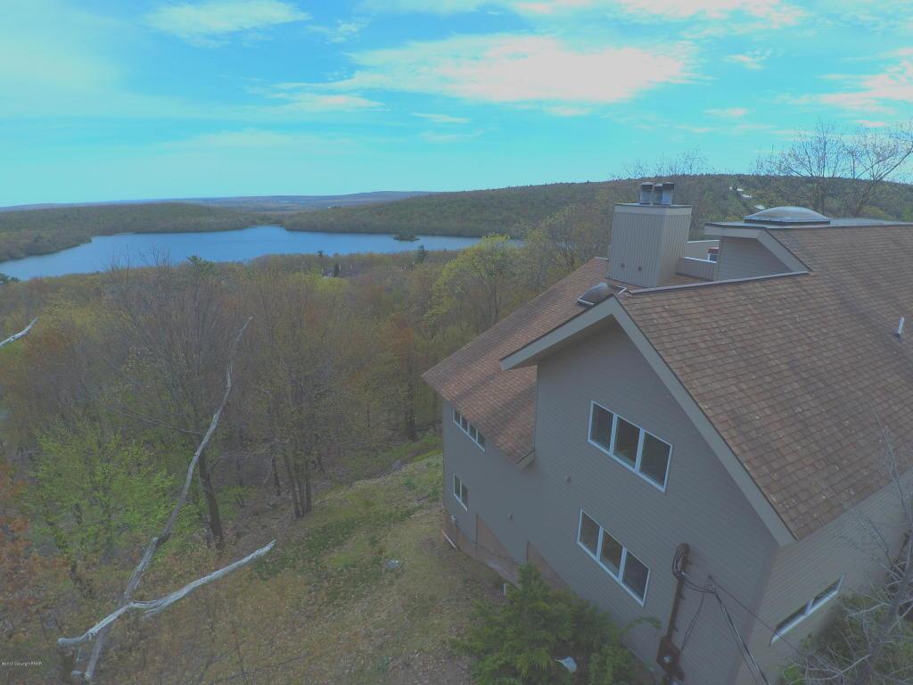 103 Skye Dr, Lake Harmony, PA 18624