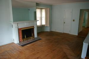 38 E Pennsylvania Ave, Pen Argyl, PA 18072
