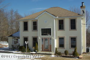 120 Granite Rd, Long Pond, PA 18334