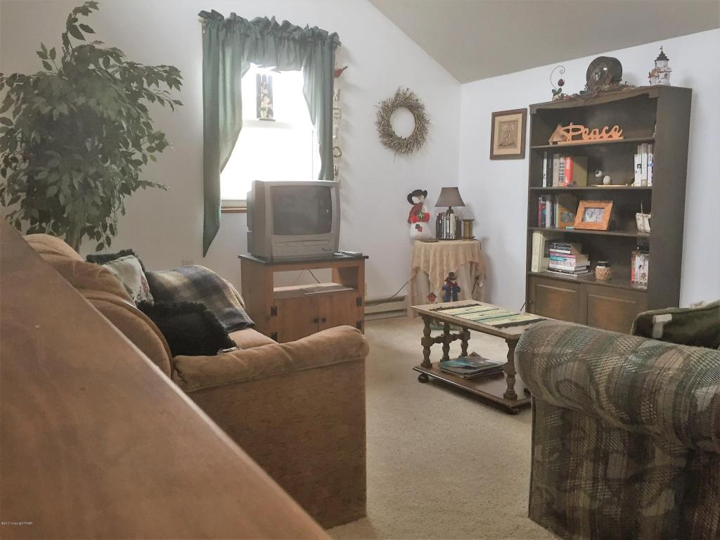 7 Tonto Ct, Albrightsville, PA 18210