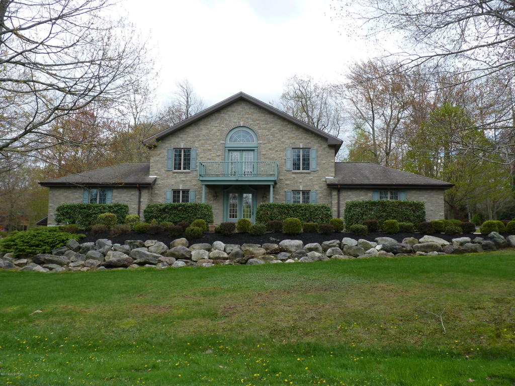 40 Rock Ridge Road, Lake Harmony, PA 18624