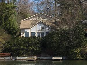 99 North Lake Drive (lakefront), Lake Harmony, PA 18624