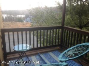 33 Woodsbluff Ct, Lake Harmony, PA 18624