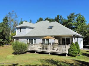 669 Clearview Dr, Long Pond, PA 18334