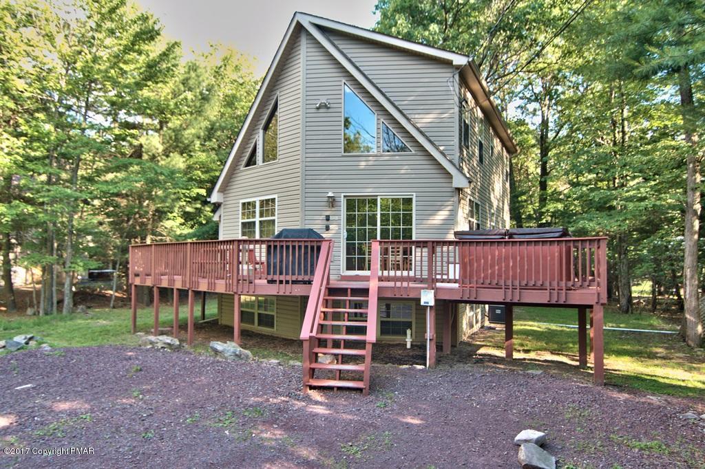 71 Estates Dr, Lake Harmony, PA 18624