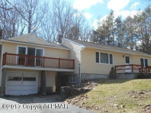 604 Prices Dr, Cresco, PA 18326