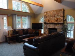 238 King Arthur Rd, Pocono Lake, PA 18347