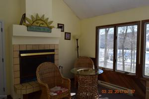 10 Rockspring Ct, Lake Harmony, PA 18624