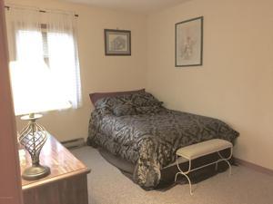 232 Aspen Rd, Pocono Pines, PA 18350