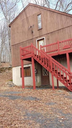 325 Saunders, Bushkill, PA 18324