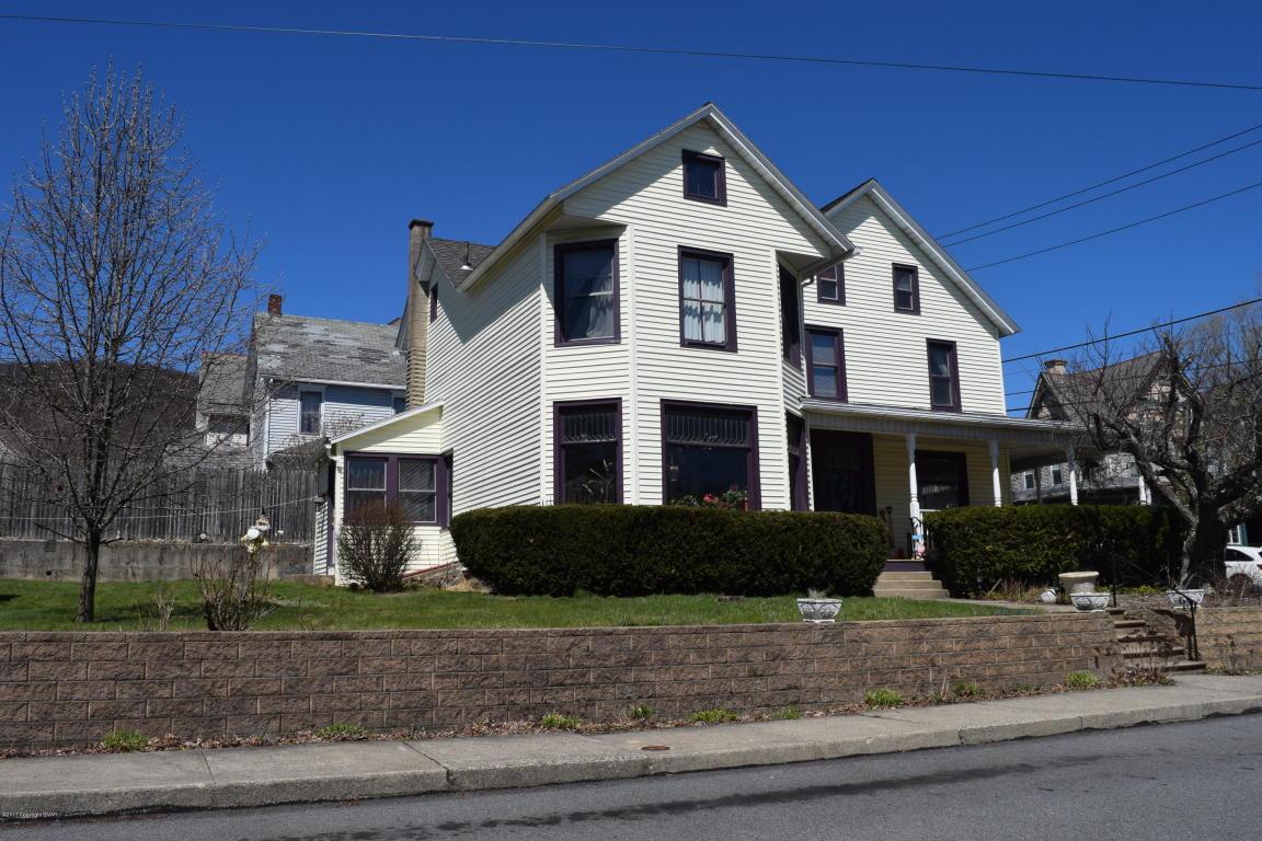 201 N Schanck Ave, Pen Argyl, PA 18072