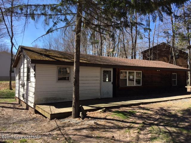 8114 Flint Dr, Pocono Lake, PA 18347