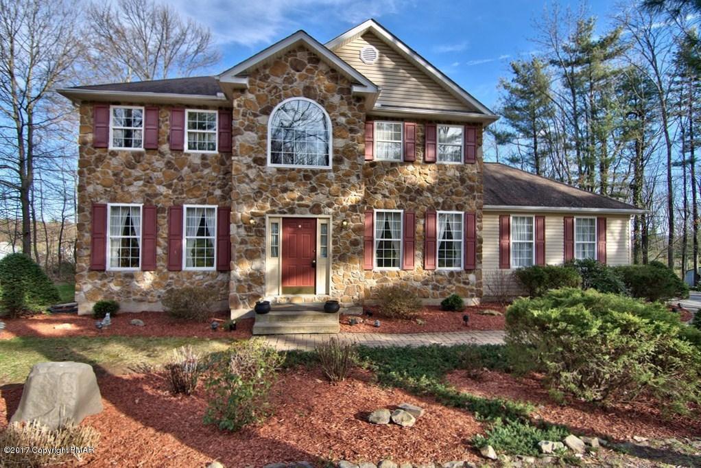 103 Spring House Drive, Saylorsburg, PA 18353