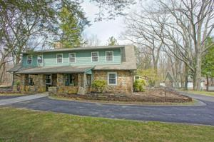 400 Manor Dr, Pocono Manor, PA 18349