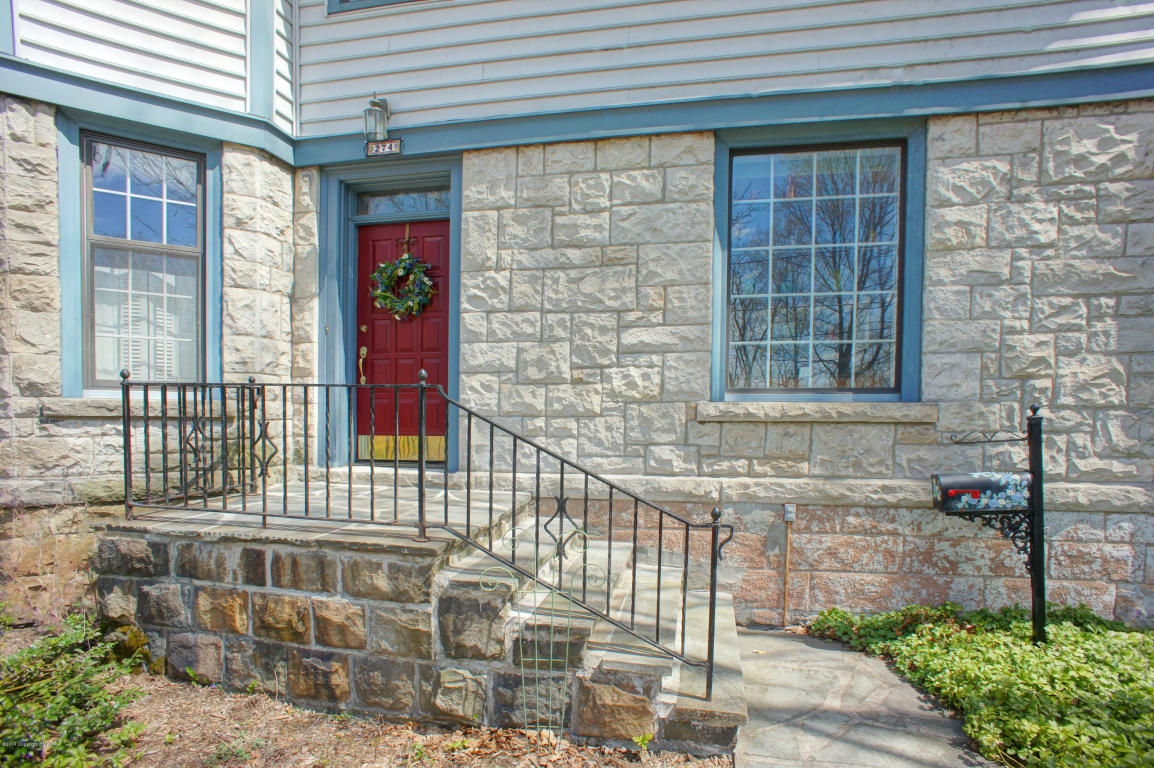 274 Braeside Ave, East Stroudsburg, PA 18301