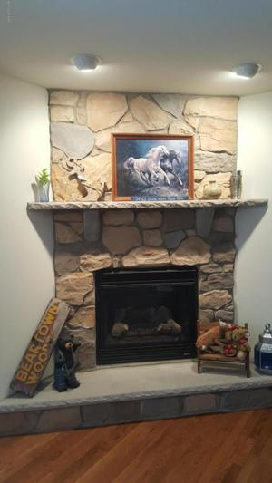 2380 Beartown Rd, Canadensis, PA 18325