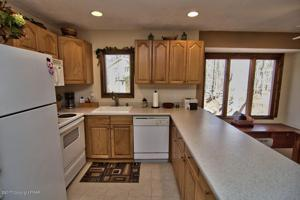 109 Cub Path, Pocono Pines, PA 18350