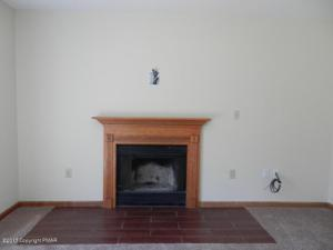 2264 Suburban Lane, Effort, PA 18330