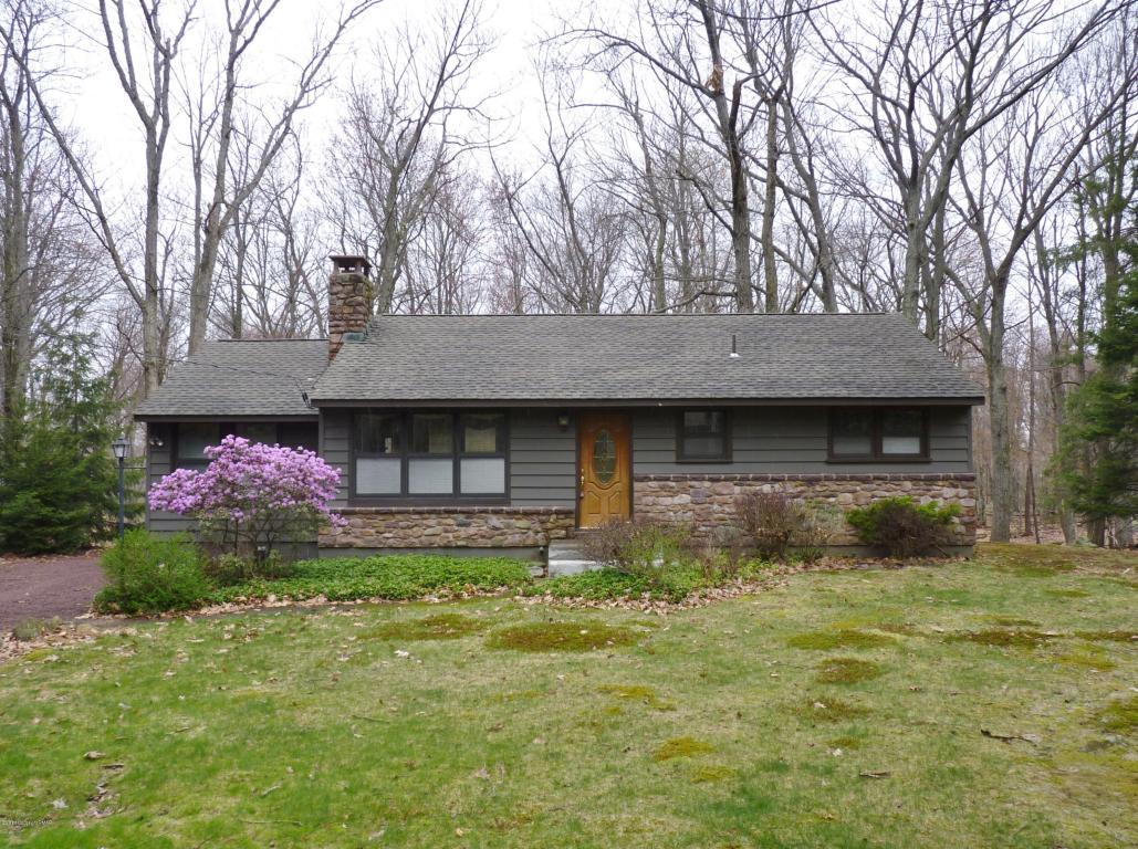 499 Moseywood Road, Lake Harmony, PA 18624