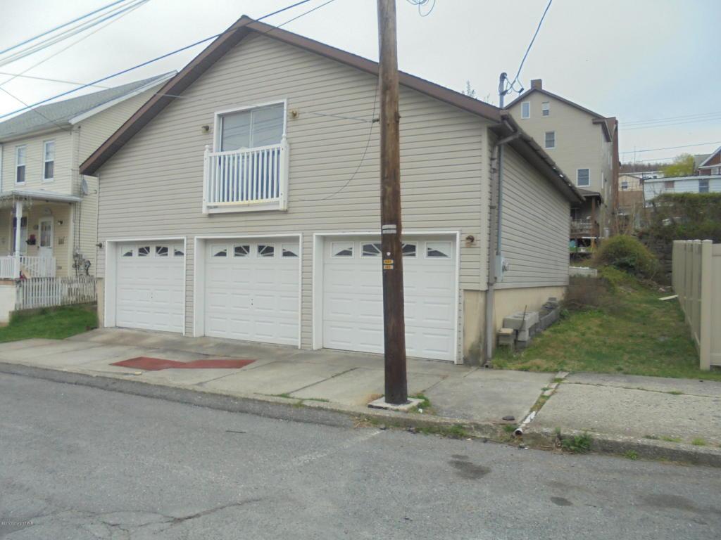 213 215 E Patterson Street, Lansford, PA 18232