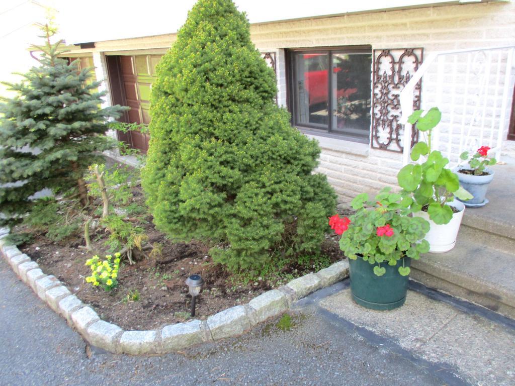 3219 Evergreen Cir, Tobyhanna, PA 18466