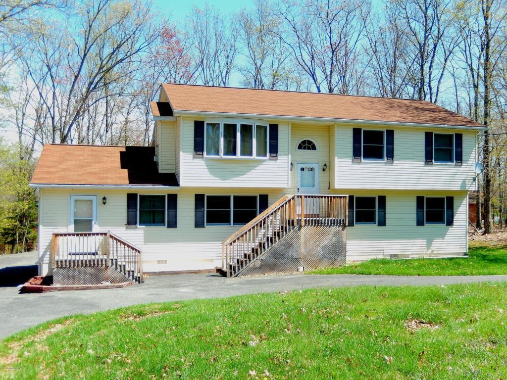 126 Carnforth Dr, Bushkill, PA 18324